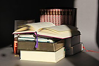Books1035553__180